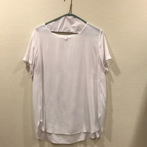 Olivaceous sheer white top